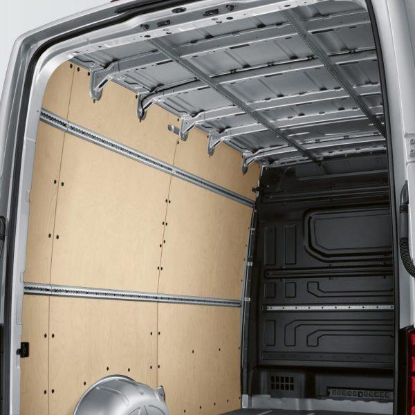 Дополнительные крепёжные элементы грузового отделения