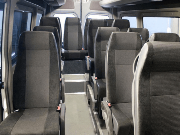Пассажирский салон микроавтобуса VW Crafter
