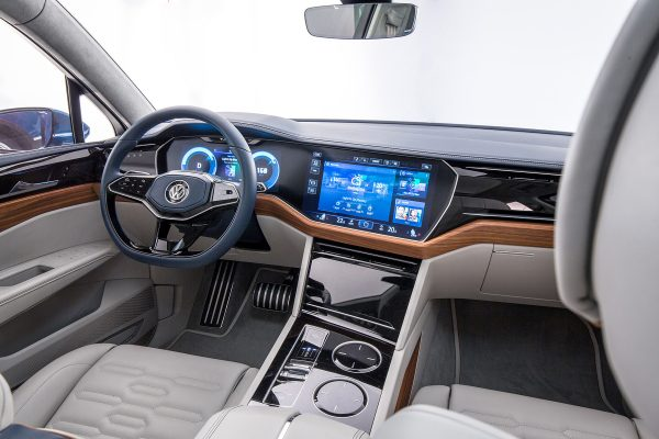 Интерактивный салон VW Touareg 2018 года
