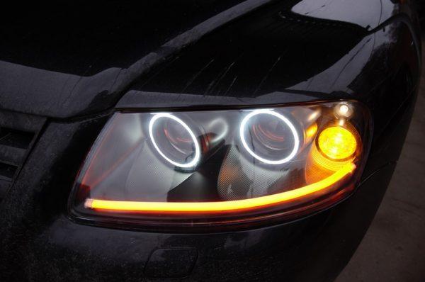 «Ангельские глаза» на фарах VW Touareg
