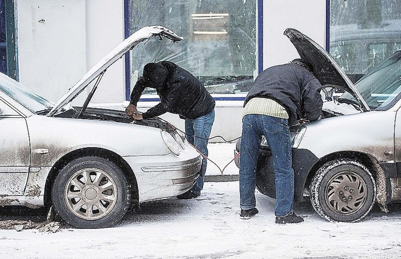 Как прикурить автомобиль правильно от другого автомобиля что нужно знать