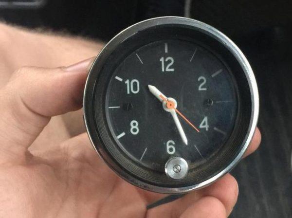 Часы ВАЗ 2106