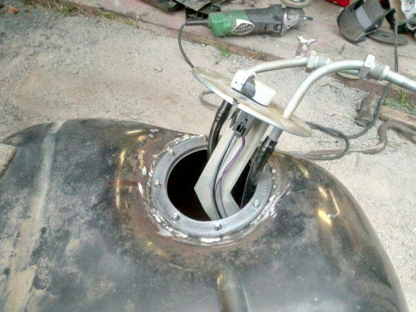 Электробензонасос в топливном баке