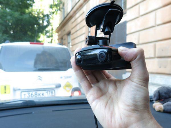 Регулировка угла наклона камеры видеорегистратора