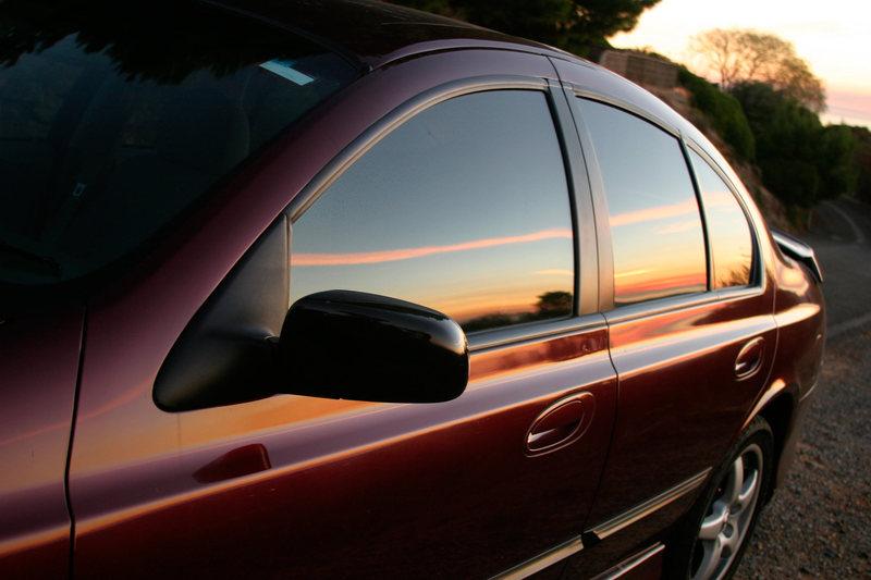 Электронная тонировка стекол автомобиля виды устройство и принцип работы а также плюсы и минусырегулируемойэлектротонировки