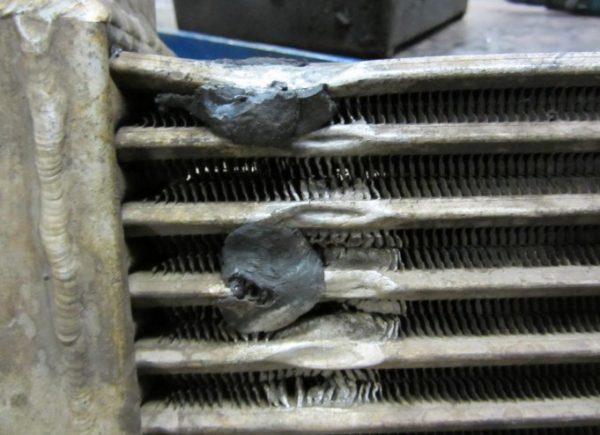 «Холодная сварка» на радиаторе